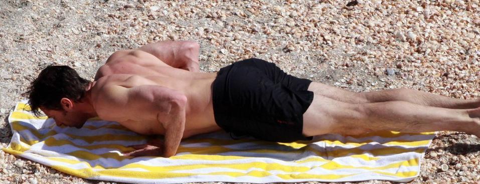 Hugh Jackman bodybuilding