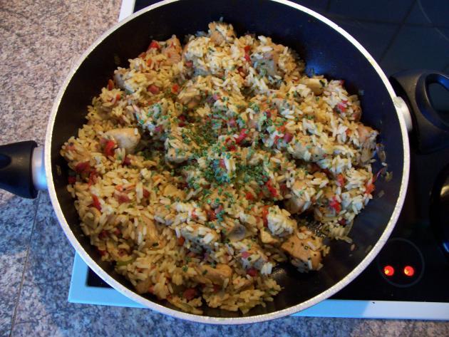 Pute mit Reispfanne