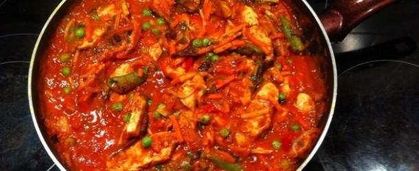 Tomatengemüsepfanne mit Hähnchenbrust